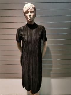 Plisseeritud kleit