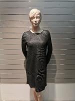Pikkade varrukatega läikiv kleit